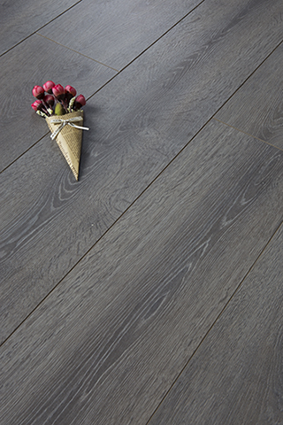 E6001 Grey Oak Laminated Flooring