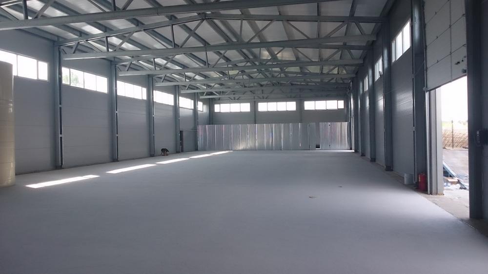 окрашенный бетонный пол краской F27