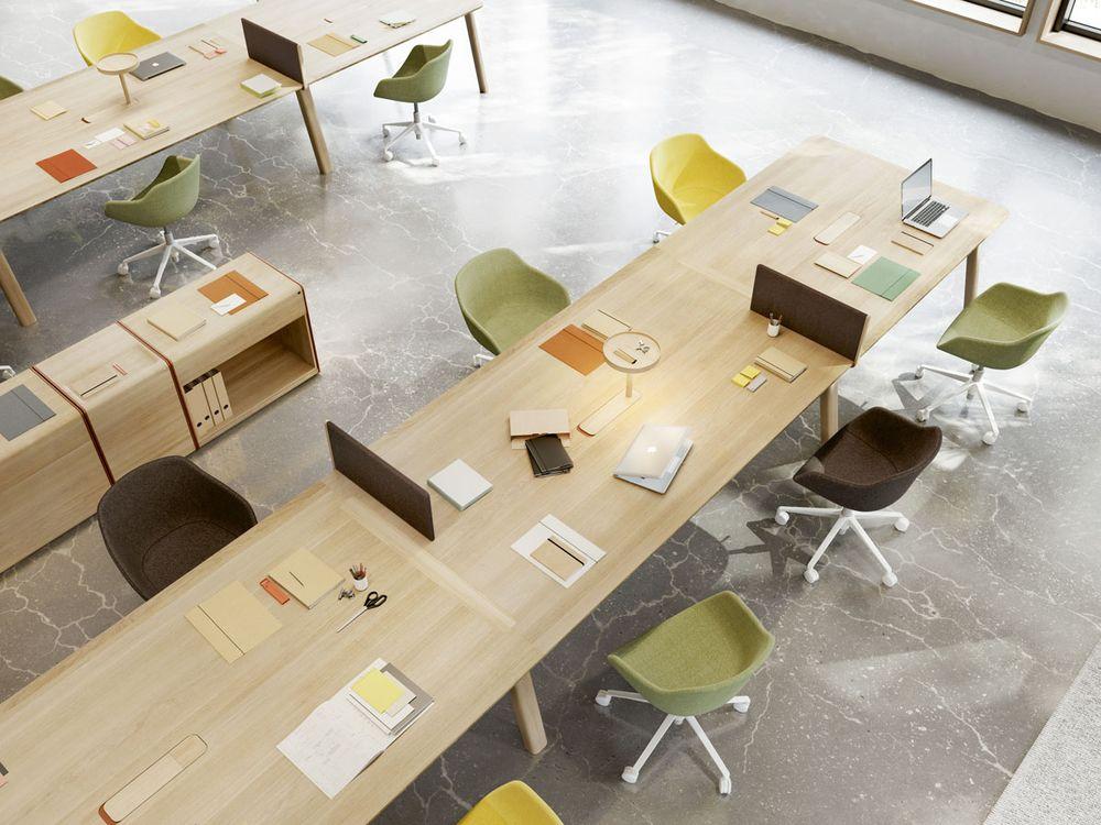 стол и стулья ALKI (Франция)